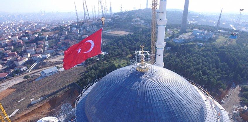 <b>Çamlıca Camii Alem Montajı</b>